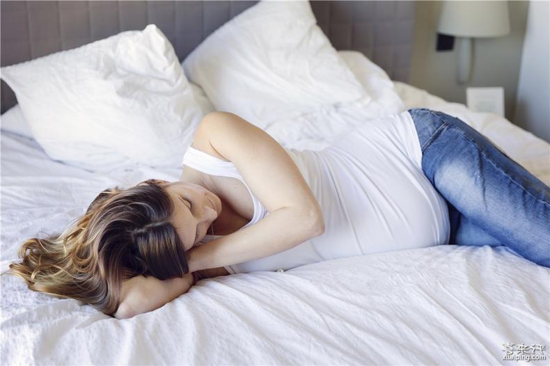 孕妇睡觉时,不能做的3个伤胎动作